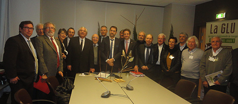 le collectif glu rencontre  les deputes a l'assemblee nationale association de defense des chasses traditionnelles a la grive